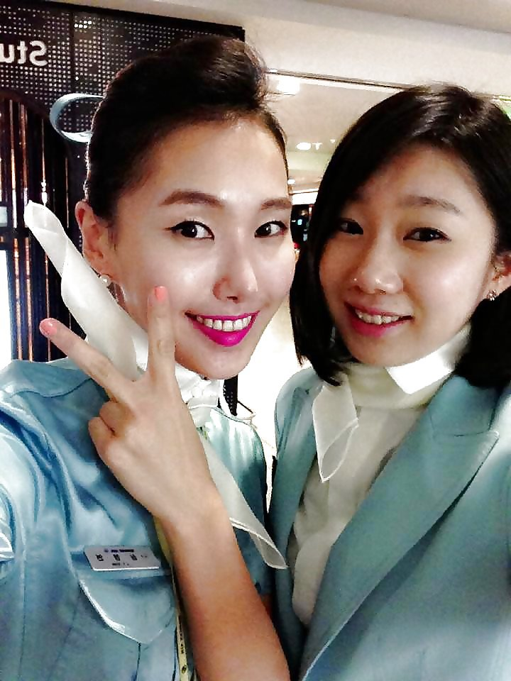 Asian Teen Photos: Korean air hostess internal cumshot